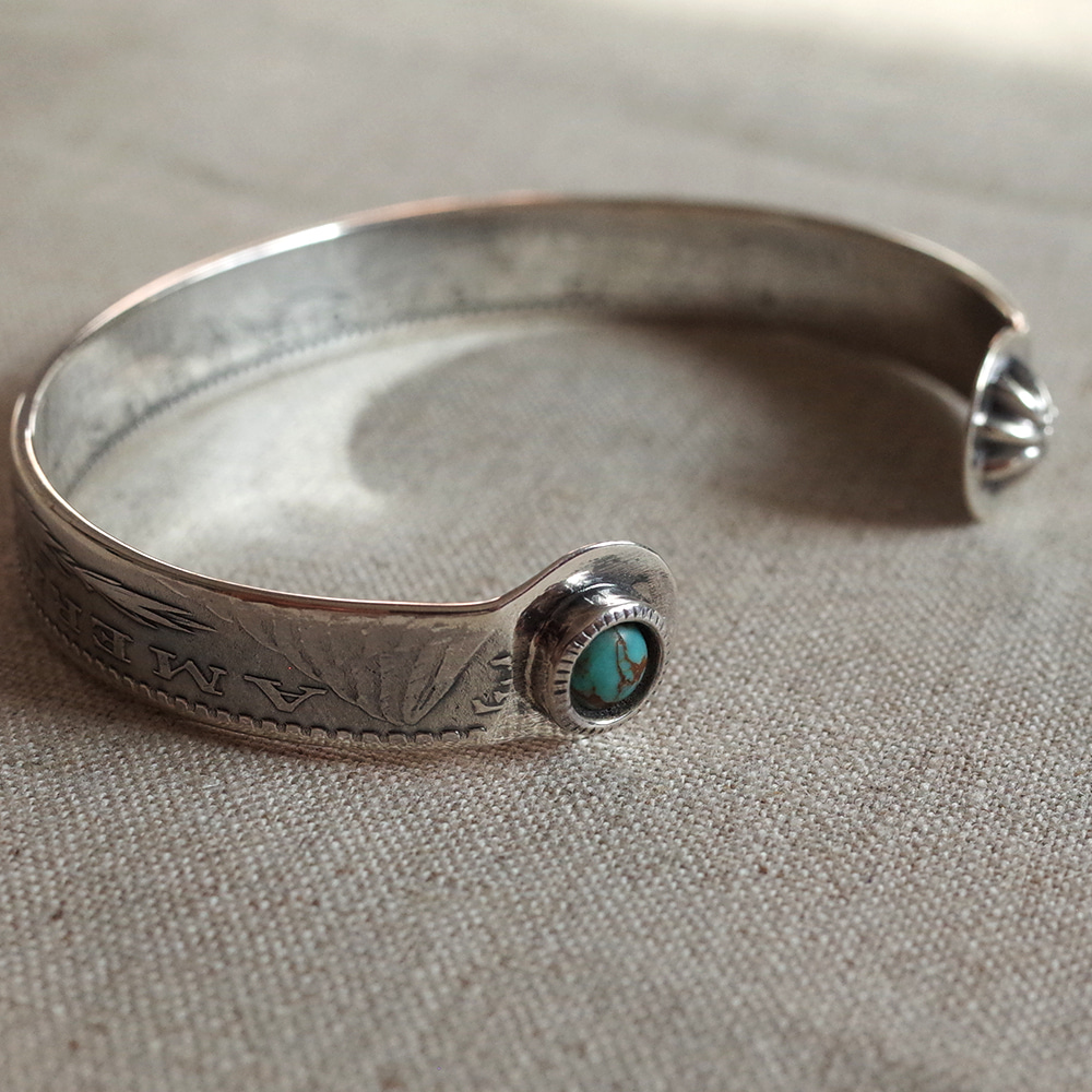 [North Works]  N-313 Morgan Dollar End Shell&Turquoise Bangle